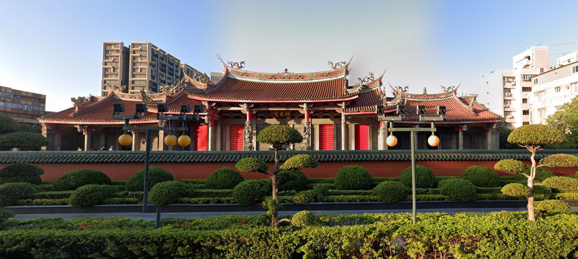 台湾の占い 横丁 行天宮