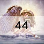 44のエンジェルナンバーの重要な意味!ツインレイ・前兆・片思い……天使が伝えたいこと